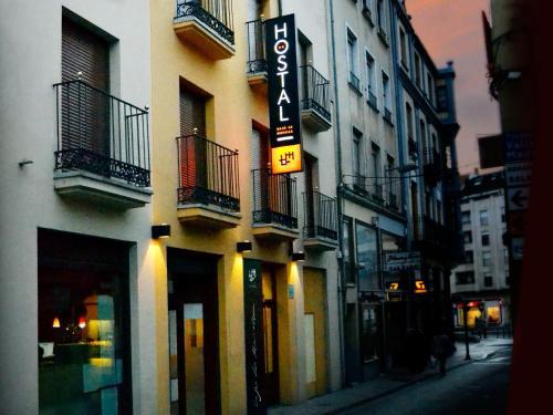 Hotel Pictures: Hostal Bajo La Muralla, Zamora