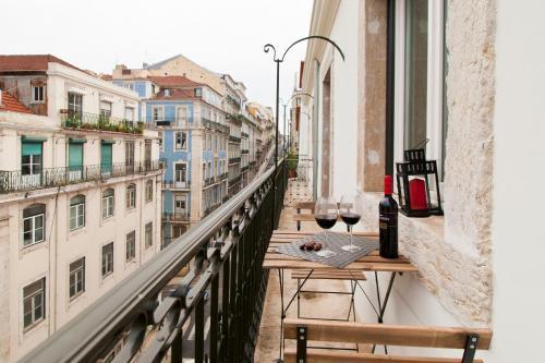 baixa deluxe apartments lisbonne portugal. Black Bedroom Furniture Sets. Home Design Ideas