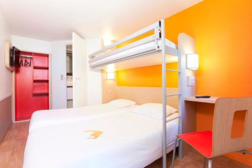 Hotel Pictures: Premiere Classe Caen Est - Mondeville, Mondeville