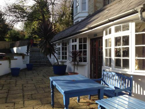 Hotel Pictures: Holliers Hotel, Shanklin