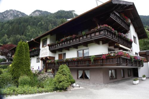 Foto Hotel: Gästehaus Gisela, Bruck am Ziller