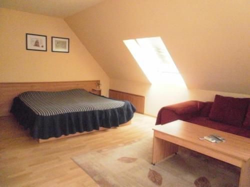 Hotel Pictures: Family Hotel Kredo, Sliven