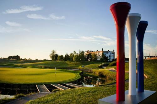 Hotel Pictures: Novotel Saint Quentin Golf National, Magny-les-Hameaux