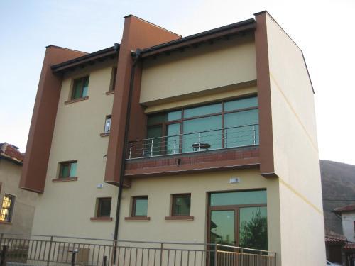 Hotellikuvia: Guest House Deya, Sapareva Banya