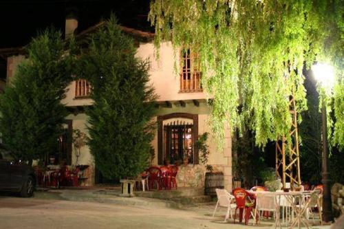 Hotel Pictures: , Burgomillodo