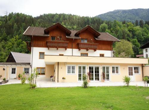 ホテル写真: Pension Maier, Flattach