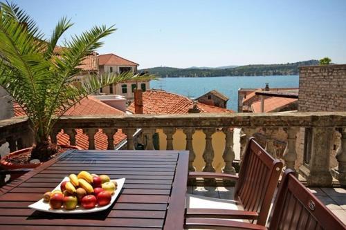 Grand Terrace Sea View Apartments