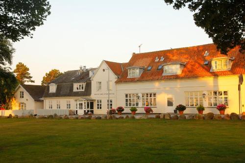 Hotel Pictures: Rødvig Kro og Badehotel, Rødvig