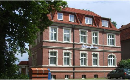 Hotel Pictures: Stadtsee-Pension Schade, Templin