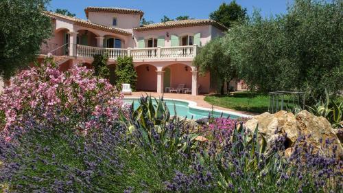 Hotel Pictures: Villa Floralis, Saint-Cézaire-sur-Siagne