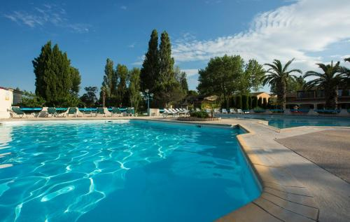 Hotel Pictures: , Arles