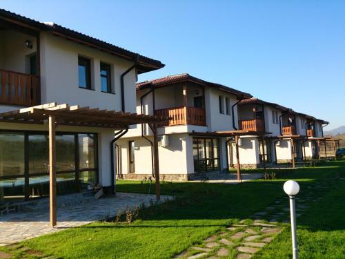 Hotelbilleder: Bendida Village, Pavel Banya