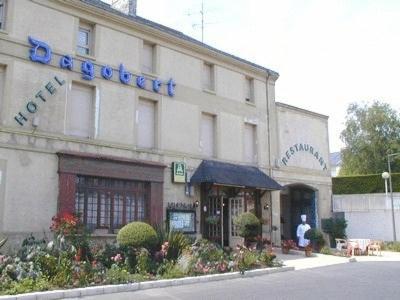 Hotel Le Dagobert Dou� la Fontaine