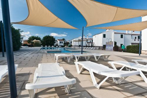 Hotel Pictures: Apartamentos Sa Caleta, Sa Caleta