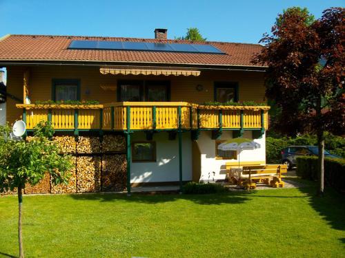 Hotelbilleder: Ferienhaus Zerza, Rattendorf