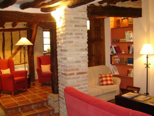 Hotel Pictures: , Villalón de Campos