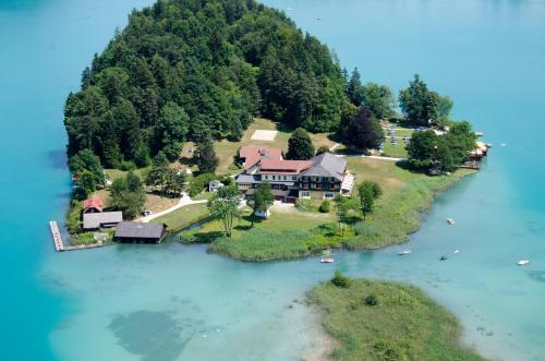 Hotel Pictures: Inselhotel Faakersee, Faak am See