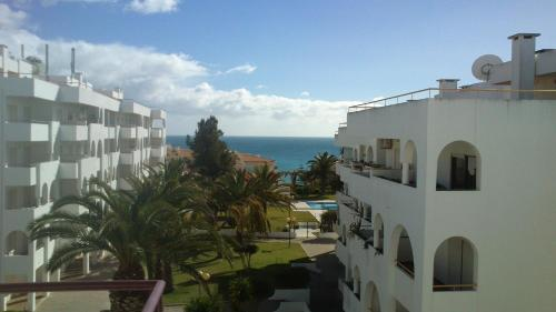 Senhora da Rocha Apartments with Swimming Pool