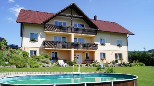 Hotel Pictures: , Klatovy