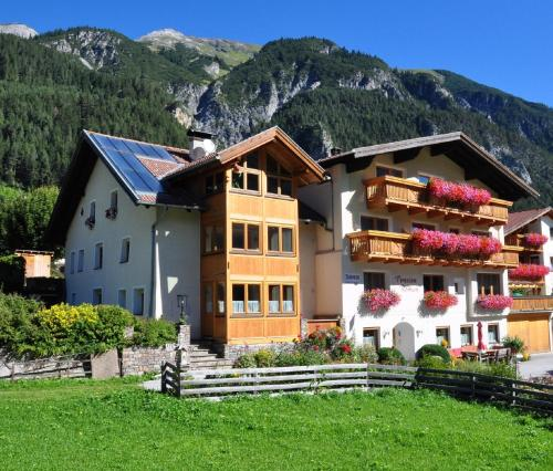 Hotelbilleder: Pension Roman, Pettneu am Arlberg