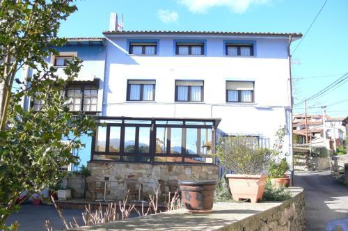 Hotel Pictures: Casa Mariví, Niembro