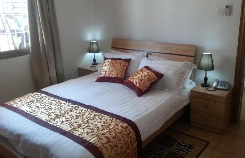 Hotel Pictures: Mogo Self-Catering Apartments, Mogoditshane