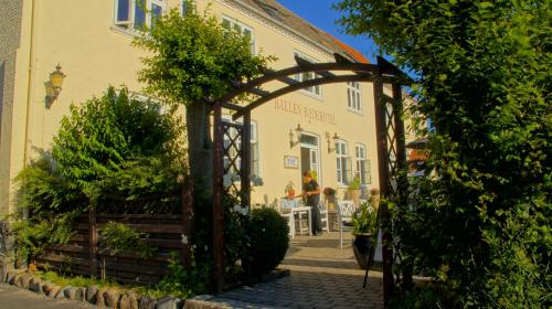 Hotel Pictures: Ballen Badehotel, Samsø