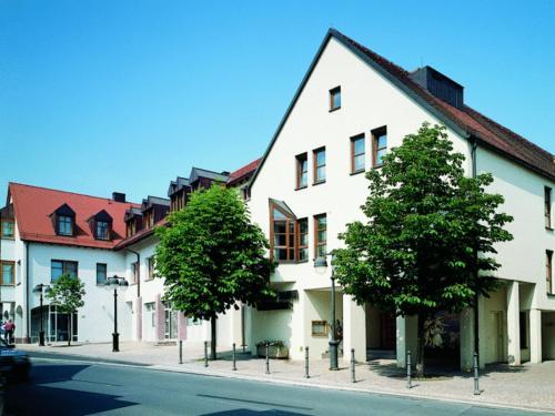 Hotel Pictures: Hotel Lamm, Höchberg