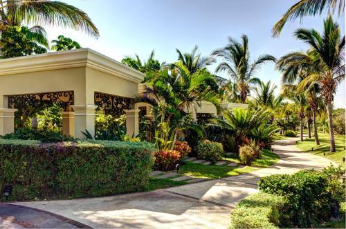 Pueblo Bonito Emerald Luxury Villas & Spa All Inclusive