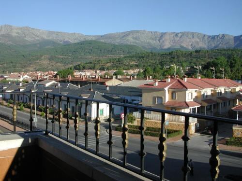 Hotel Pictures: Hostal Avenida, Arenas de San Pedro