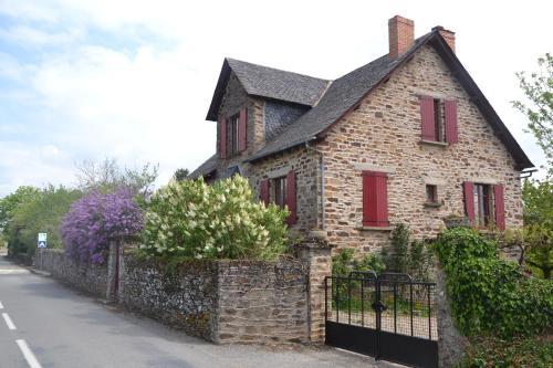 Hotel Pictures: , Sauveterre-de-Rouergue