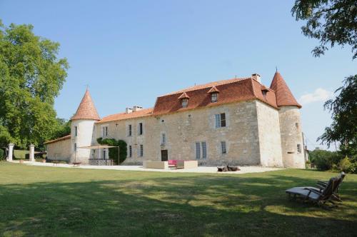 Hotel Pictures: Château de Lerse, Pérignac Charente
