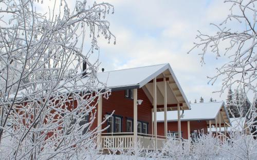Hotel Pictures: Himoseasy Cottages, Jämsä