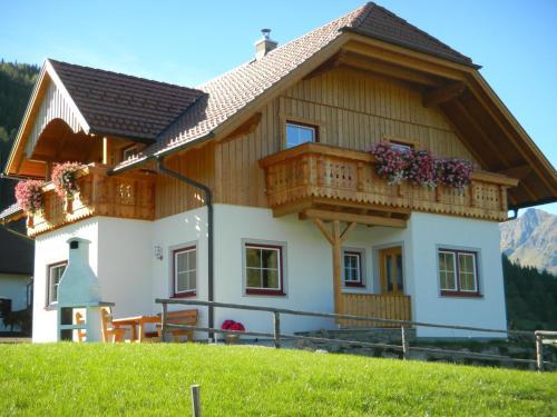 Hotellikuvia: Ferienhaus Longa, Hinterweisspriach