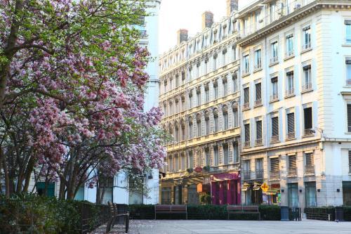 Hotel du th atre r servation gratuite sur viamichelin for Hotels 69002 lyon