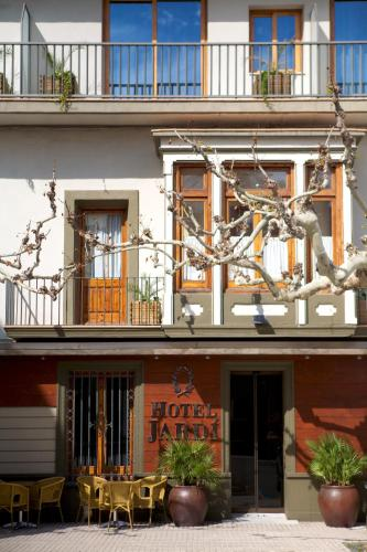 Hotel Pictures: Hotel Jardí Suites-Apartaments, Mollerusa