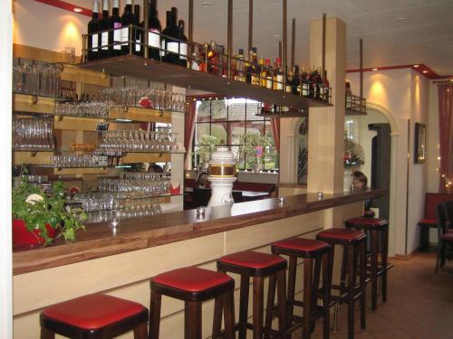 Hotel Pictures: Hotel & Restaurant Jägerstuben, Ritterhude