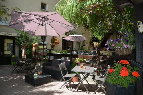 Hotel Pictures: Hotel & Restaurant Le Chalvet, Embrun
