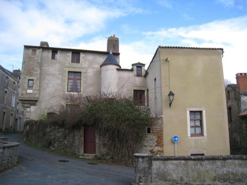 Hotel Pictures: Le Logis des Tourelles, Beaupréau
