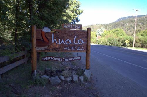 Hotel Pictures: Huala Hostel, Lago Puelo