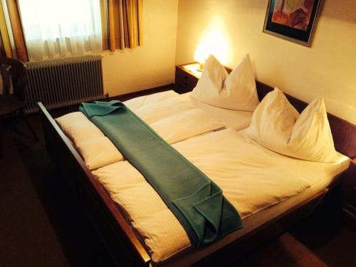 Фотографии отеля: Haus Hildegard, Ениг