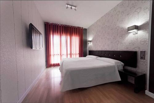 Hotel Pictures: Hostal Joaquin Costa, Huesca