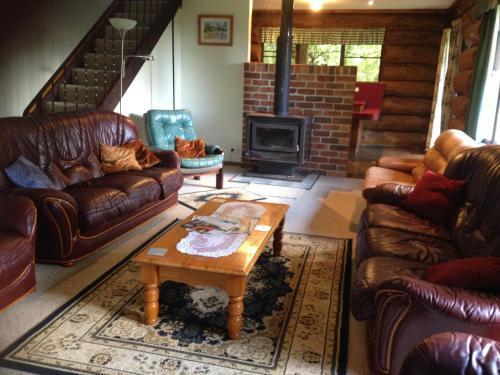 Фотографии отеля: Canobolas Mountain Cabins, Lidster