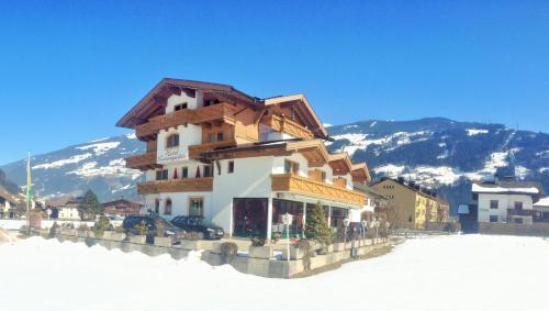 Fotos do Hotel: Hotel Restaurant Rosengarten, Zell am Ziller