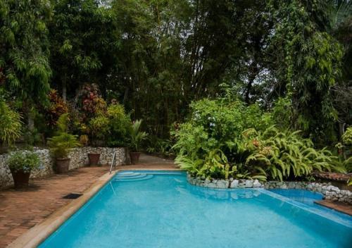 Whispering Villa near Goyambokka Beach