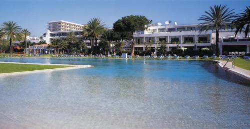 Hotel Pictures: Atalaya Park Golf Hotel & Resort, Estepona