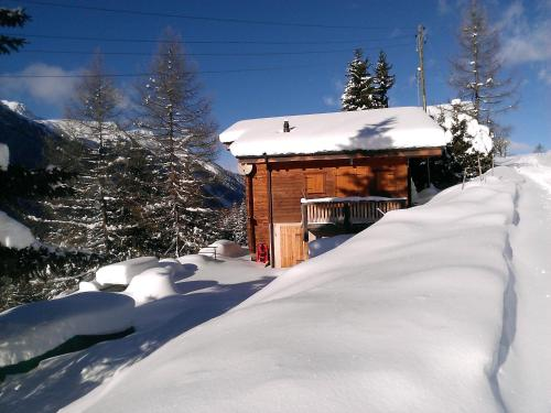 Hotel Pictures: Chalet Edelweiss, Hérémence