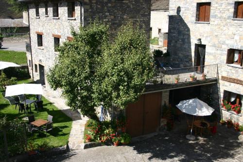 Hotel Pictures: Apartamentos Casa Gallan, Sarvisé