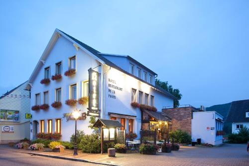 Hotel Pictures: Hotel-Restaurant De La Poste, Urmatt