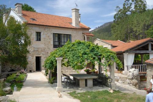Hotel Pictures: Casa Rural Entre Os Ríos, Pobra do Caramiñal